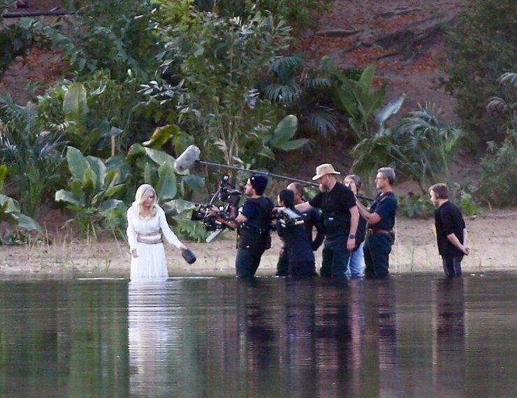 Анджелина Джоли стала блондинкой 1