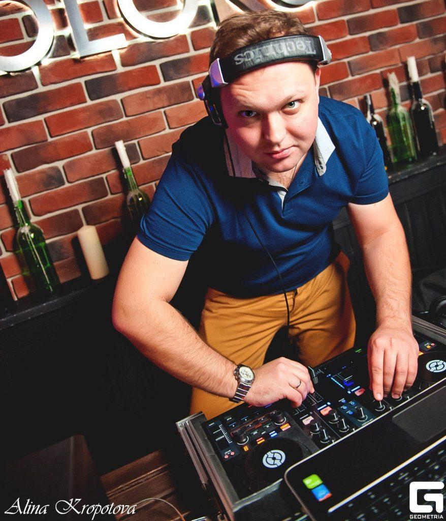 DJ GORBUNOV в WeekenDance 1