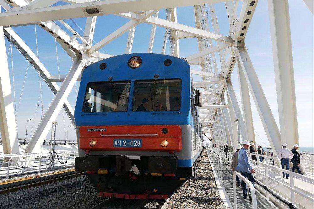 Поезд в Севастополь первым пройдет по Крымскому мосту 2