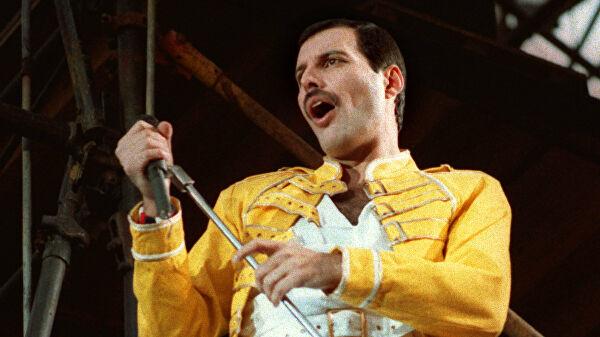 А ты можешь петь как Фредди Меркьюри? 10