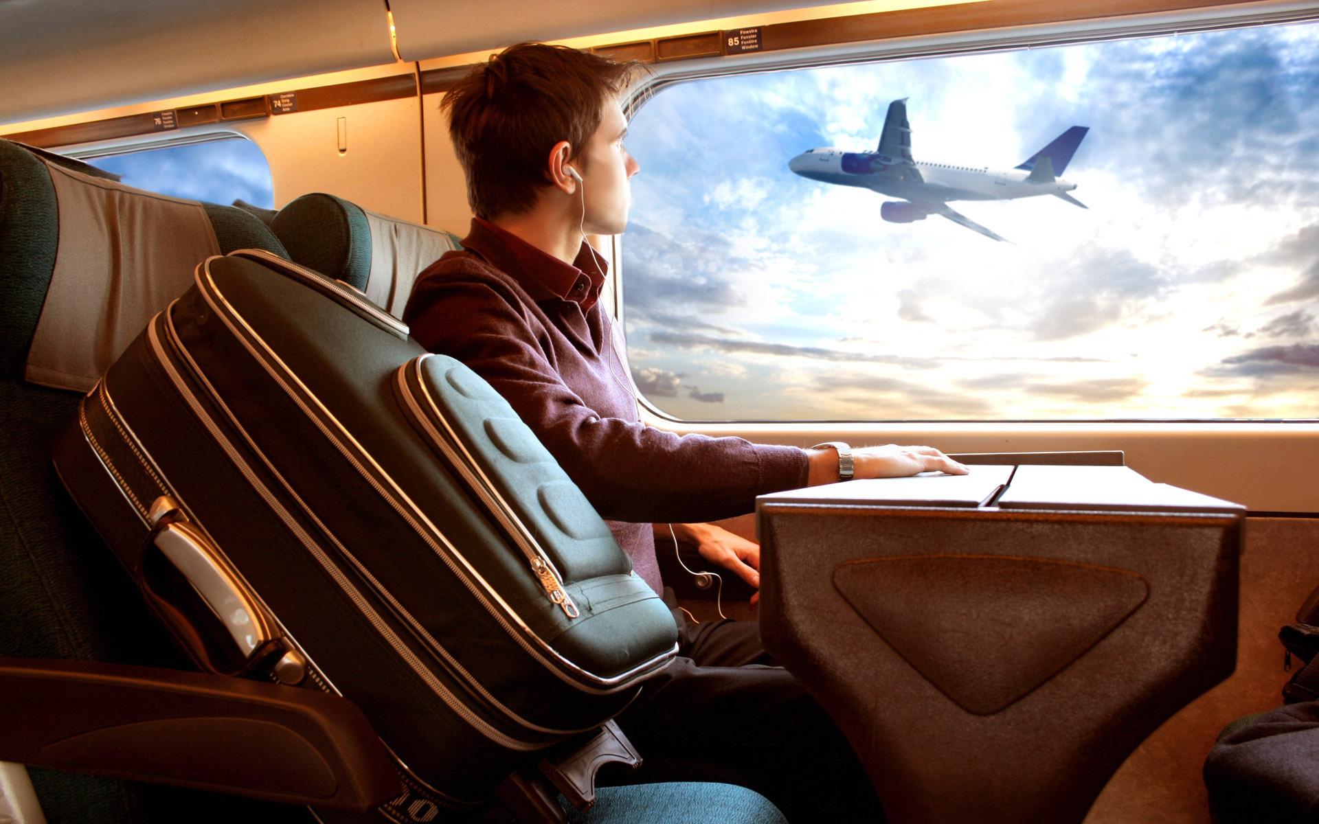 Чем авиапассажиры занимаются во время перелетов? 1