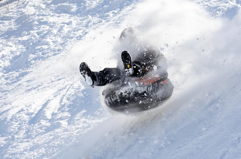 Правила безопасного катания на сноутюбе 7