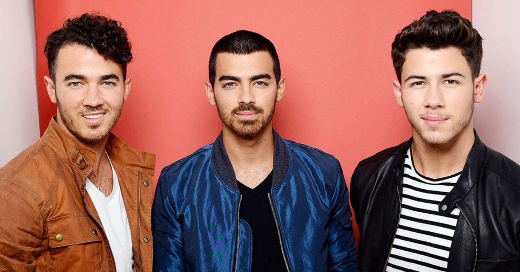 Jonas Brothers выпустили второй клип на песню «What a Man Gotta Do» 10