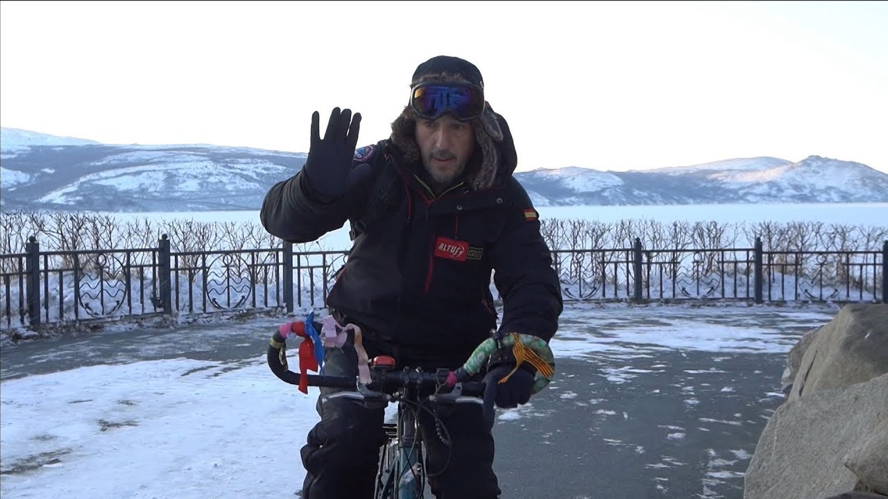 Испанец решил проехать от Магадана до Байкала на велосипеде 11