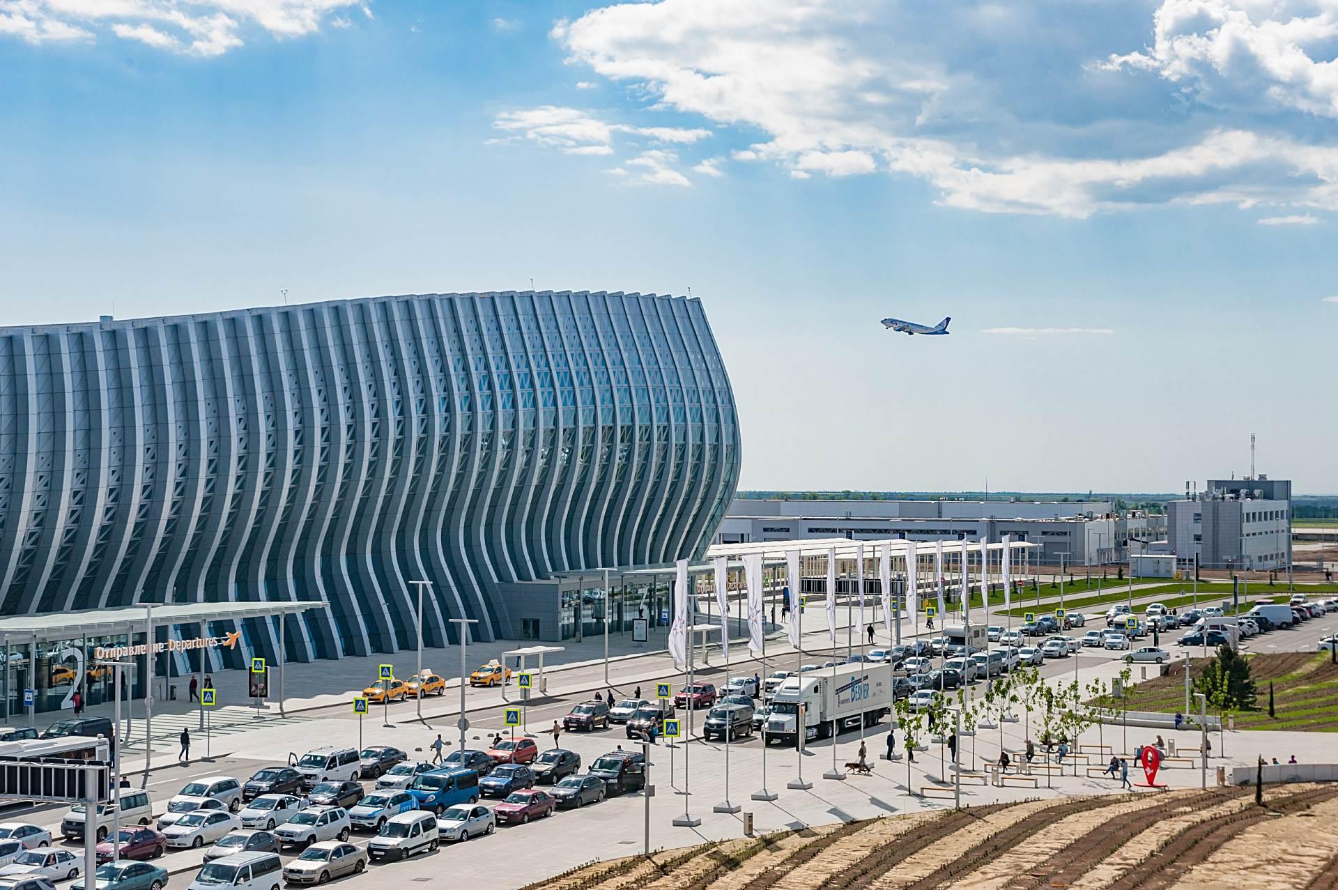 Открыты продажи на летние рейсы в Крым из 10 городов 8