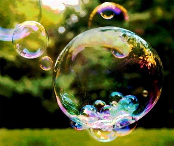Назван рецепт раствора для гигантских мыльных пузырей 9