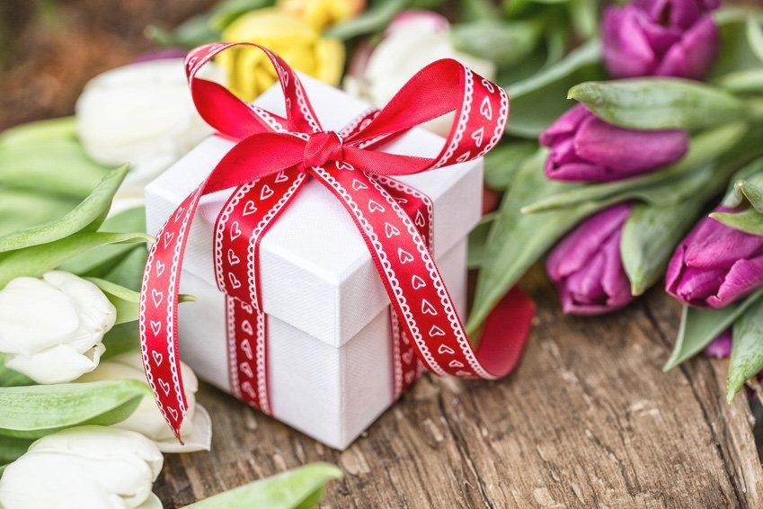 Названы оригинальные подарки на 8-е марта 1