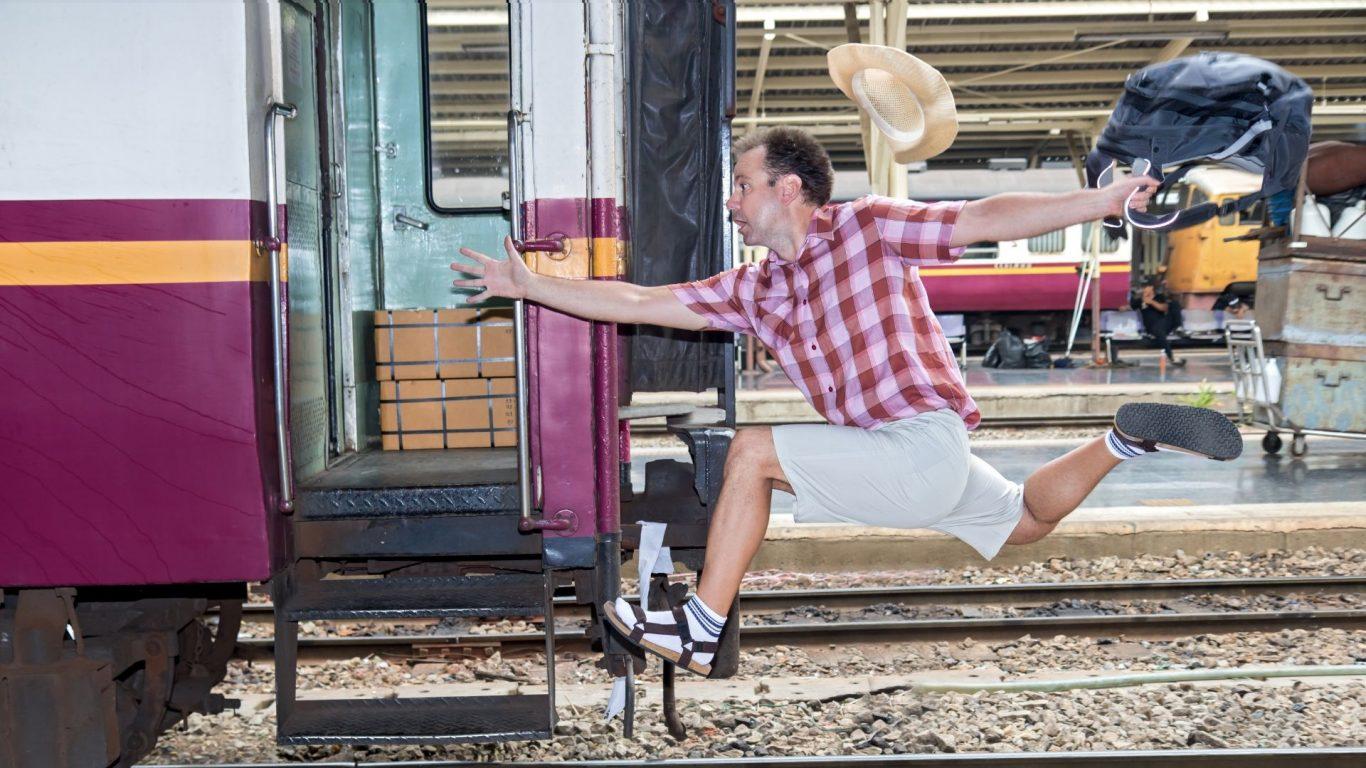 Как туристы готовятся к поездке на поезде? 7