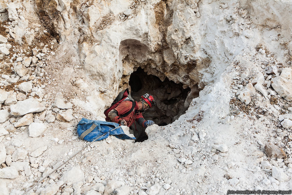 Работы в пещере «Таврида» приостановлены из-за коронавируса 2