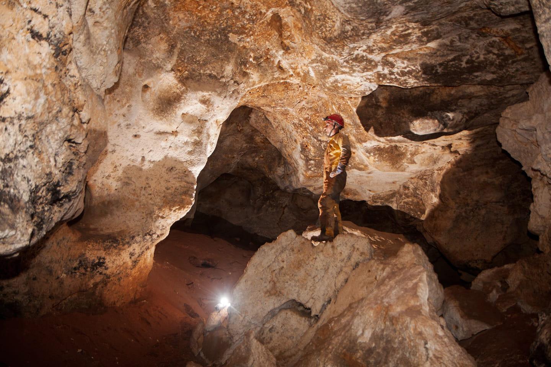 Работы в пещере «Таврида» приостановлены из-за коронавируса 7