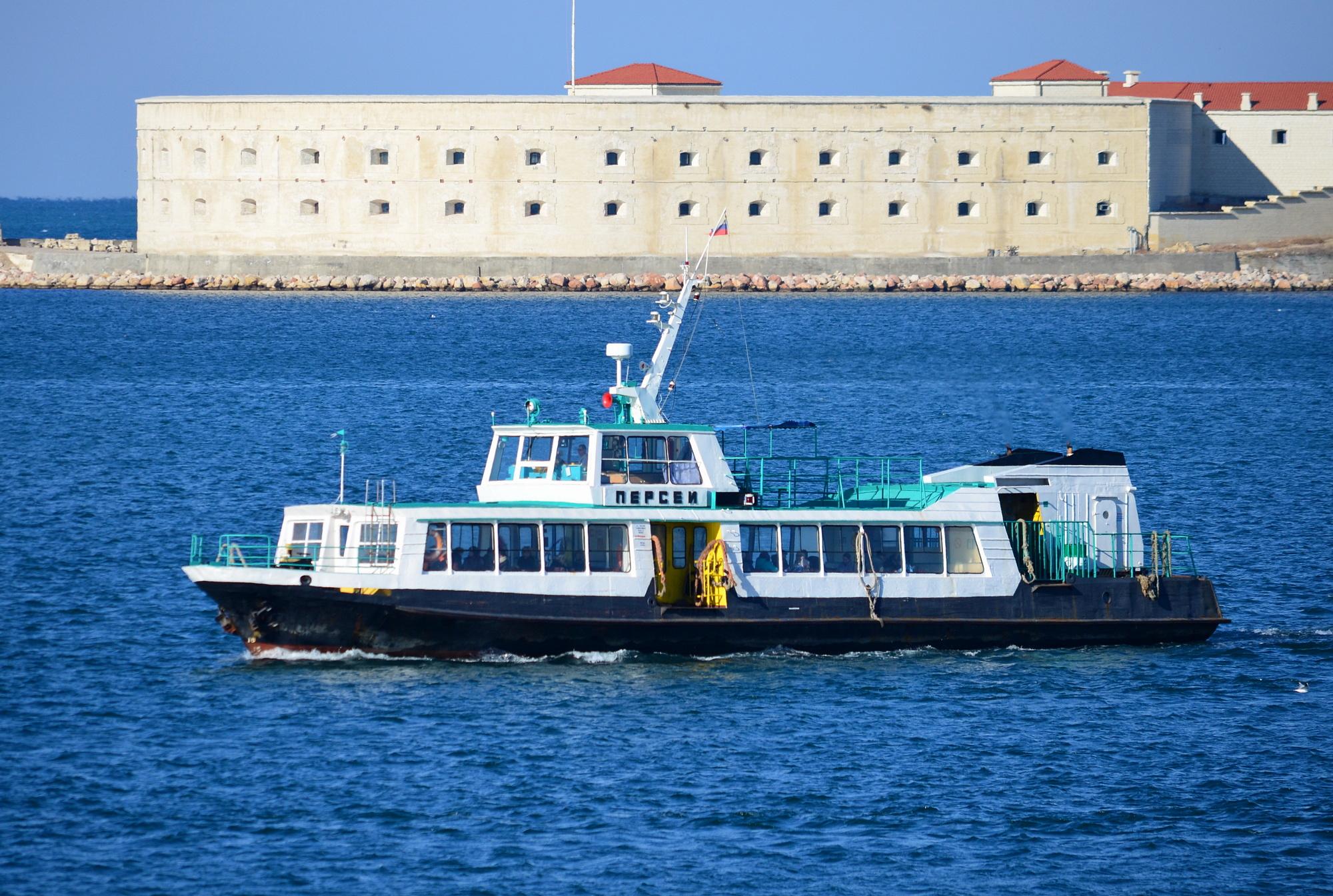 Севастопольские катера перешли на летний график работы 7