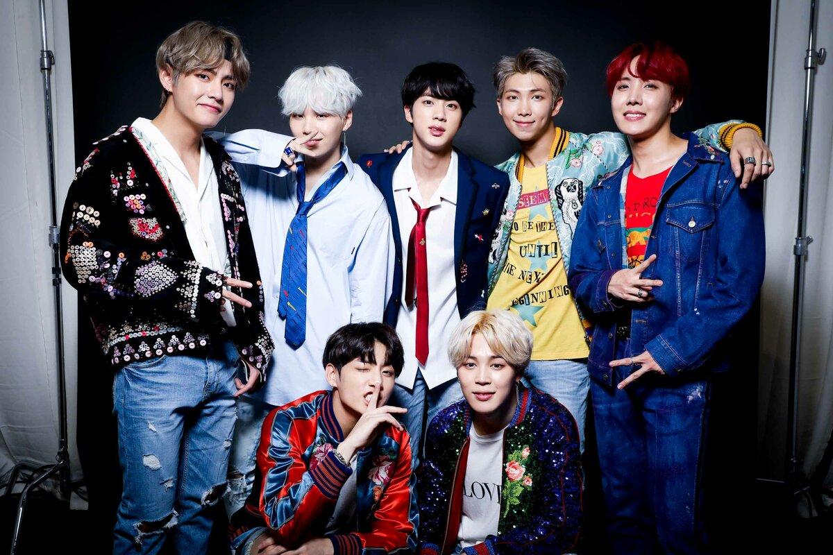 BTS выпускают книги со своими песнями 4