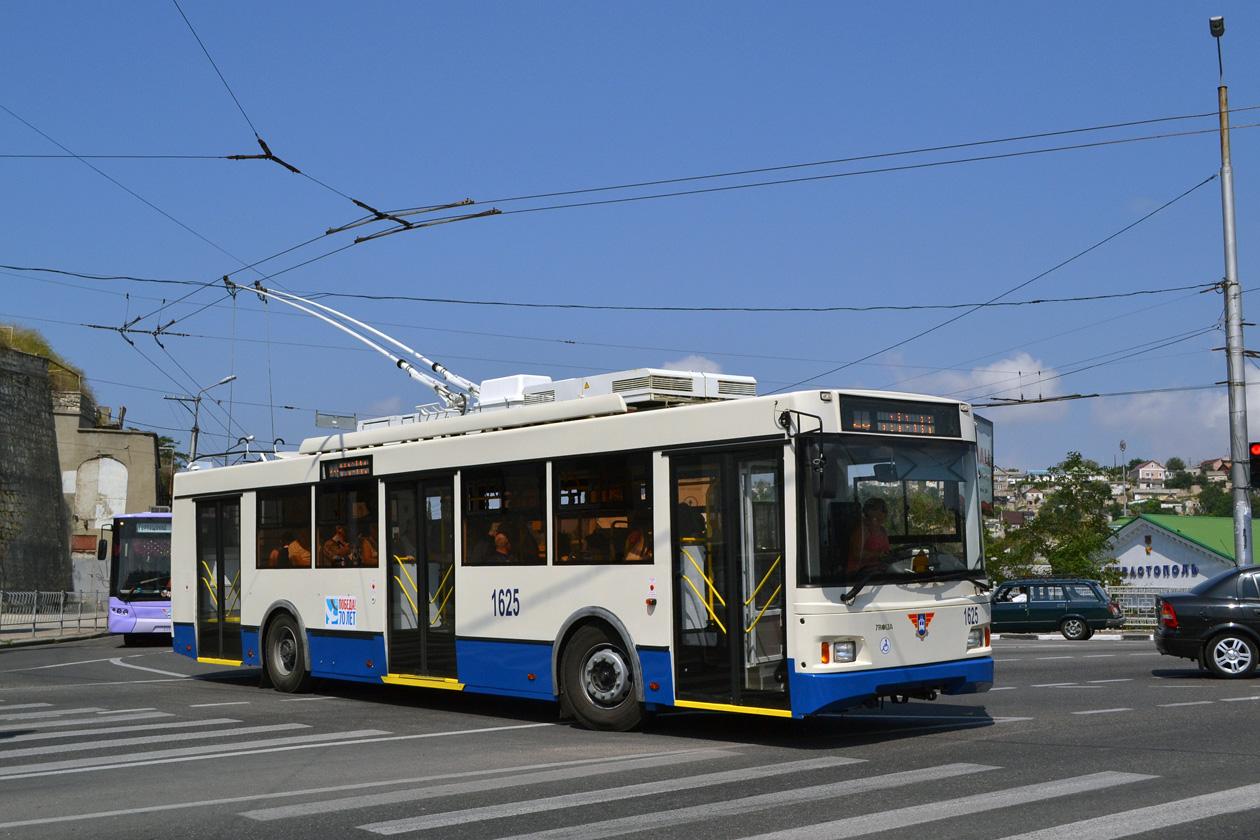 В Севастополе работа троллейбусов в день ВМФ продлится до завершения праздника 5