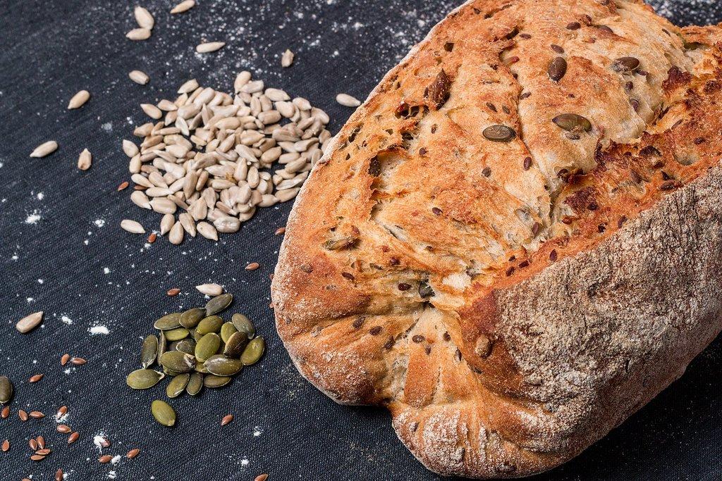 Россиянам рассказали о полезных добавках в хлебе 8